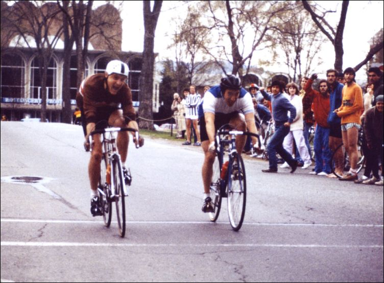 The finishing sprint at the 1981 Eastern Conference Road Race Championships.